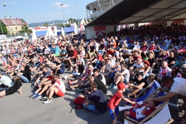 Tak wyglądała strefa kibica w Bielsku-Białej podczas mundialu w 2018 znalazła się tuż obok Stadionu Miejskiego. Mecz Polaków z Senegalem obejrzało w niej 876 kibiców
