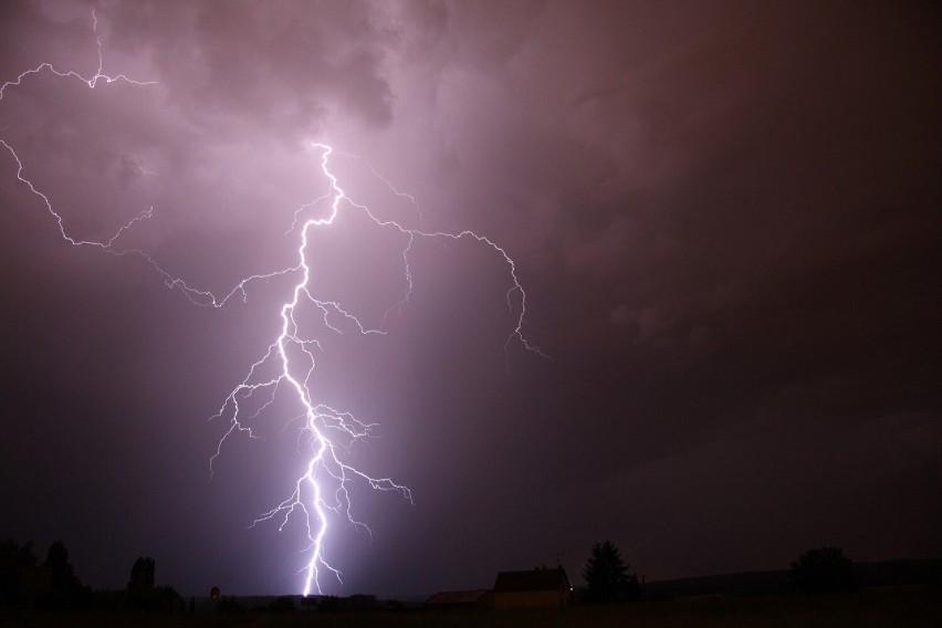 Ostrzeżenie IMGW: możliwe burze z opadami. Miejscami mogą wystąpić opady gradu (09.07)