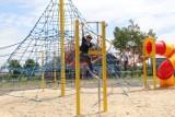 Nowa atrakcja dla najmłodszych brzezinian - otwarto linowy plac zabaw