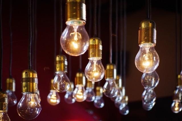 Wyłączenia prądu na Śląsku od 24 do 30 września Na liście są Katowice, region rybnicki i wiele, wiele innych. Lepiej być przygotowanym na czasowe braki energii elektrycznej.   KLIKNIJ W GALERIĘ ZDJĘĆ i sprawdź, gdzie do 30 września okresowo nie będzie prądu.