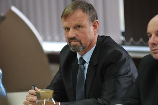 Mieczysław Jaszcz jest radnym powiatu gorzowskiego.