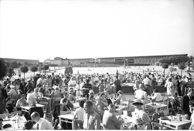 Dzięki odpowiednim nasyceniu oraz temperaturze solanki, klimat wokół basenu był taki sam jak nad Morzem Śródziemnym.