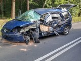 Wypadek na na DK 908 między Tarnowskimi Górami a Miasteczkiem Śląskim. Zderzenie tira z osobówką