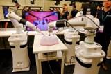 Kongres chirurgów w Toruniu. Zaprezentowano nowoczesnego robota chirurgicznego Versius [zdjęcia, wideo]