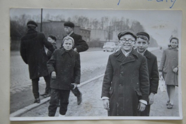 Historia Szkoły Podstawowej nr 6 im. Mikołaja Kopernika w Zduńskiej Woli sięga 1918 roku. Jednym najważniejszych wydarzeń w jej historii było oddanie do użytku basenu w czerwcu 1966 roku. Dzieciom z szóstki przez lata zazdrościli tego uczniowie innych szkół