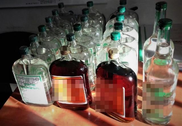 Policja w Mikołowie przejęła prawie 20 l nielegalnego alkoholu