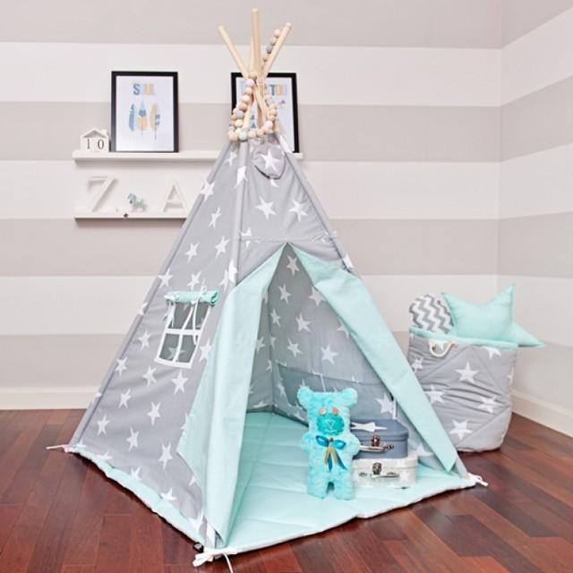 """Namiot tipi to świetna kryjówka dla Twojego dziecka na każdą porę roku. Idealnie sprawdzi się w mieszkaniu, na tarasie, balkonie czy ogrodzie.   Namiot tipi """"miętowe niebo"""", cena: 287 zł, dawanda.pl"""
