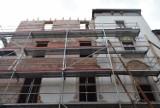 Rybnik. Świerklaniec dwa miesiące po katastrofie budowlanej. Wznoszą nową ścianę