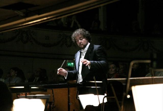 Orkiestrę Filharmonii Krakowskiej poprowadzi José Miguel Pérez-Sierra – jeden z najwybitniejszych dyrygentów młodego pokolenia