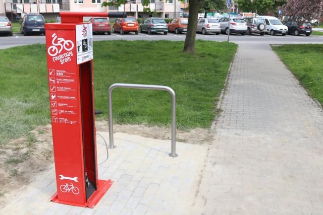 Na zdjęciu stacja rowerowa w pobliskim Śremie