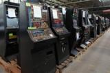 """Znaleźli nielegalne automaty do gry. Na Pomorzu w 2020 roku statystycznie """"wpadały"""" 2 takie maszyny dziennie"""