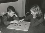 Zamiast słodyczy kup dziecku grę planszową i spędź z nim czas! Jak wybrać grę na rodzinną imprezę? Czym się kierować? Pytamy eksperta