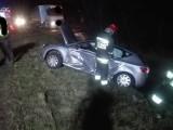 Dwa auta w piątek wieczorem zderzyły się na DK 11 w Szczurach