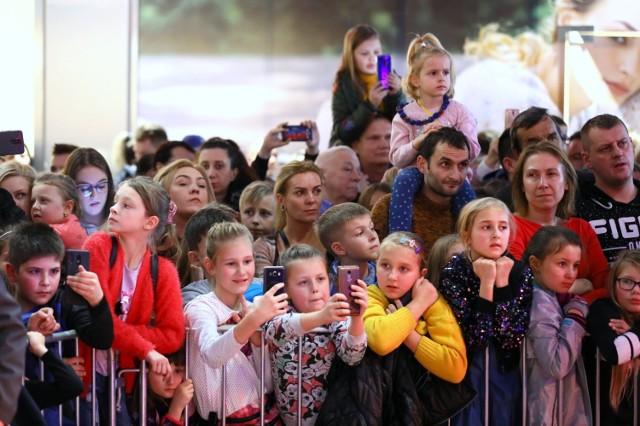 10. urodziny Focus Mall w Piotrkowie: występy taneczne piotrkowskich zespołów, tort i koncert Cleo