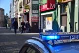 Kościerzyna. Policjanci kontrolują czy mieszkańcy i turyści noszą maseczki