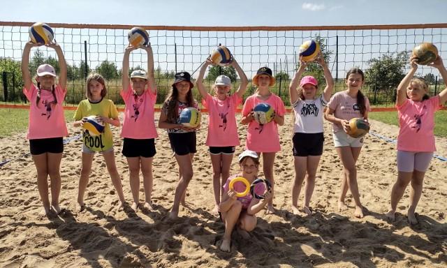Na obozie w Sypniewie przebywały dziewczynki w wieku 10-14 lat z całej Piły, które nie są na razie zawodniczkami SPS Volley Piła