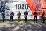 """Pleszew. Fotorelacja z odsłonięcia muralu """"Bitwy Warszawskiej 1920"""""""