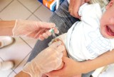 Jakie obowiązkowe szczepienia trzeba wykonać dziecku? Sprawdź kalendarz szczepień na 2021 rok!