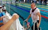 Tak burmistrz Andrychowa wskoczył do nowego basenu [Zdjęcia]