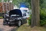 Wypadek Sikorz - Trzciany. Czołowo zderzyły się ciężarowy z osobówką. Jedna osoba poszkodowana [zdjęcia]