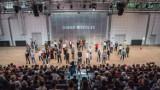 Konstytucja na chór Polaków w Nowym Teatrze w Warszawie. Aktorzy, kibice Legii, uchodźcy... przeczytają ustawę zasadniczą