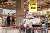 Od dziś otwarte galerie handlowe i sklepy meblowe. Obowiązują jednak obostrzenia, restrykcje. Oto nowe zasady na zakupach