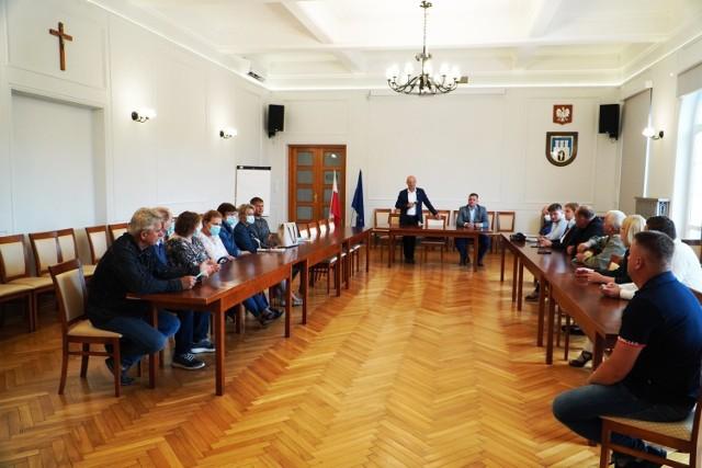 Spotkanie w sprawie suszarni biomasy odbyło się w Urzędzie Miejskim w Grójcu.
