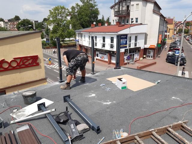 Na dachu Kina Goleniów urządzany jest taras