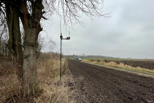 Na zewnętrznych granicach Polski SG zamontowała dziewięć nowych zestawów perymetrycznych. Pomagają one w ochronie granicy, współpracują z wieżami obserwacyjnymi.