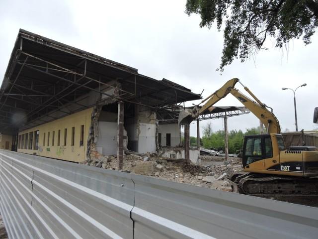 Trwa rozbiórka dworca kolejowego w Bielsku Podlaskim