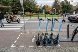 Sopot: źle zaparkowane hulajnogi są odholowywane. Koszt? 123 zł plus 23 zł za dobę na parkingu