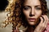 Podkład do twarzy – rodzaje. Jak dobrać i nakładać podkład pod makijaż oraz czym się kierować podczas zakupu tego kosmetyku?