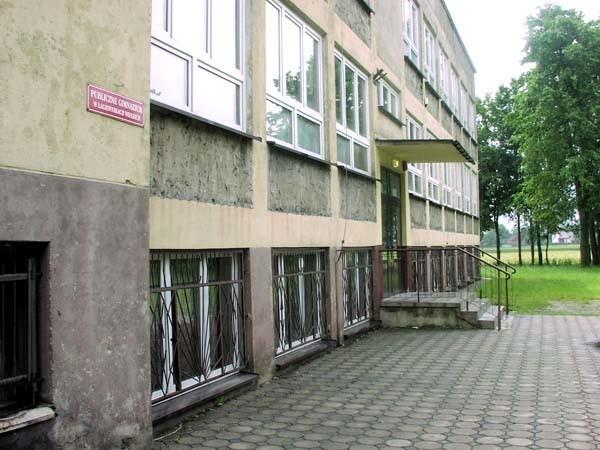 Gmina Pawonków nie ma jeszcze sprecyzowanych planów dotyczących wykorzystania budynku po starym gimnazjum w Łagiewnikach Wielkich