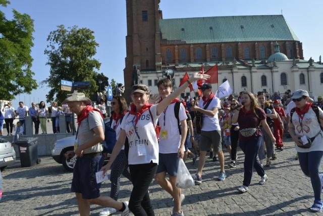 Pielgrzymi wyruszyli w drogę do Częstochowy