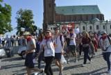 Pielgrzymi wyruszyli w drogę do Częstochowy [FOTO]