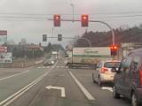 Sygnalizacja świetlna działa już na feralnym skrzyżowaniu w Skarszewie pod Kaliszem. Ma być bezpieczniej