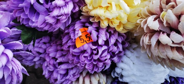Ceny stroików, wiązanek i kwiatów na 1 listopada 2020 w Świebodzinie