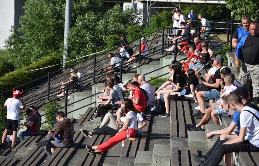 Malbork. Euro 2020 w Malborskiej Strefie Kibica. Fani piłki nożnej oglądali mecz Polski ze Słowacją