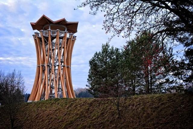 Zdjęcie ilustracyjne  Czy na terenie Suwalskiego Parku Krajobrazowego zostaną zamontowane wieże podobne do tej w Stańczykach, okaże się w przyszłym roku