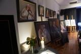 Wystawa poświęcona papieżowi św. Janowi Pawłowi II w CKiE Kwilcz