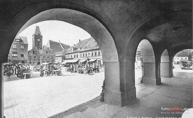 Lubiński rynek kiedyś tak wyglądał. Podobają Wam się stare kamienice?