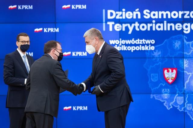 Wójt gminy Kwilcz Stanisław Mannek został odznaczony przez Premiera Mateusza Morawieckiego odznaką za Zasługi dla Samorządu Terytorialnego.