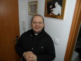 Ksiądz Wiesław Hudek Żory i jego nowa książka z wierszami w sześciu językach