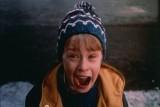 """10 świątecznych filmów dla dzieci i dorosłych. Nie tylko """"Kevin sam w domu"""". Co oglądać w święta? Najlepsze filmy na Boże Narodzenie"""