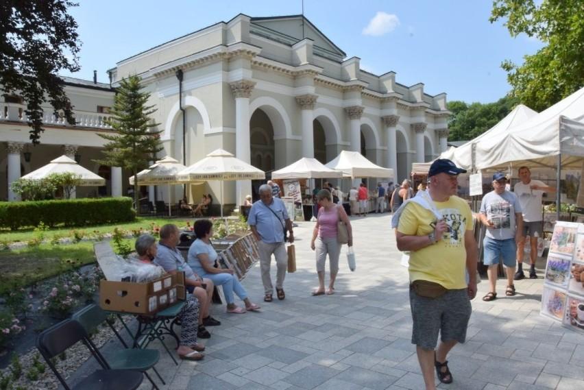 Kolejny weekend w Busku-Zdroju przyciągnął mnóstwo turystów....