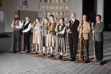 """""""Tiegenhof"""". Teatr upamiętnił spektaklem pacjentów """"Dziekanki"""" pomordowanych w czasie II Wojny Światowej"""
