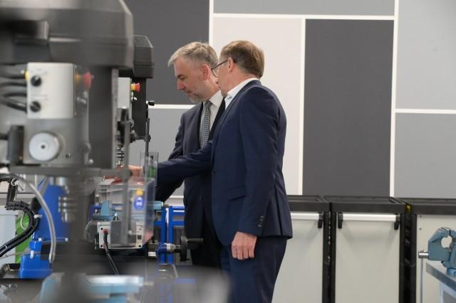 Pracownie Zespołu Szkół Technicznych w Tarnowie Podgórnym są wyposażone w nowoczesny sprzęt, wskazany przez przyszłych pracodawców