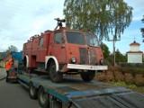 Zabytkowy wóz strażacki z Nowodworców został przekazany do wasilkowskiego skansenu (zdjęcia)
