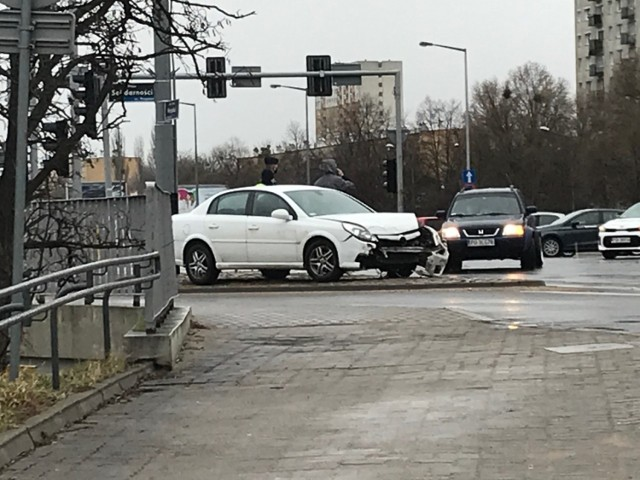O sprawie poinformował nas Czytelnik, który sfotografował miejsce wypadku.