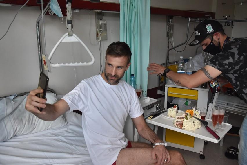 Niels Kristian Iversen liczy, że szybko wyjdzie ze szpitala.